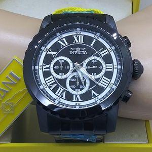Weekend sale, 1 IN STOCK-$800 Invicta Men's watch